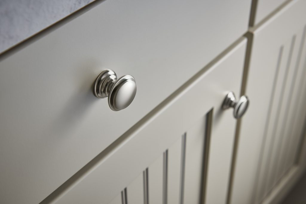 M1304_Flat_Top_Knobs